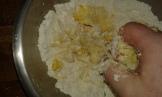 Et incorporer progressivement la farine. And incorporate progressvly the flour.
