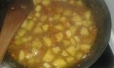 Ajouter 2 cuillères à café de jus de veau lié en poudre., bien mélanger. Add the dry linked veal stoke and stir