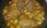 Remettre les morceaux de poulet pendant 5 minutes. Put back the chicken and let cook slowly 7 min.