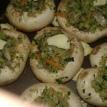 Assaisonner sel poivre les champignons et les remplir