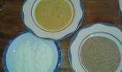 Préparer les assiettes farine, les œufs battus, chapelure. Prepare the plates to bread (beaten eggs, white flour, and thin bread crumbs