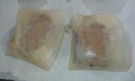 Et les mettre sur une plaque munie d'un papier sulfurisé ou d'une feuille alu beurrée. Put on baker sheet paper and brush with butter. Bake in the oven for 15 min