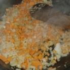 Suer les oignons et carotte. Sweat onions and carrot.