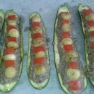 Disposer les billes de courgettes et des dés de tomate. Dispose balls and cubes of tomatoes on stuff.
