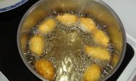 Laisser frire de chaque côté environ 3 min.let fry each side about 3 minutes.
