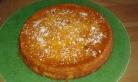 Pour la décoration, j'ai nappé le moelleux avec de la confiture d'abricots que j'ai fait fondre légérement au micro-onde. Et saupoudrer un peu de noix de coco râpé pour le contraste. For the decoration, I coated the softness with the apricot jam which I melted légérement in microwave. And sprinkle a few walnuts of coconut grated for the contrast. Enjoy the tasting.