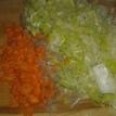 Préparer les légumes, poireau émincé finement, échalotes et carottes en petits dés,( champignons émincés, que j'ai fait après la photo). Prepare vegetables, mince leek shallot and mushrooms (cut after photo), and cut carrot in small cubes