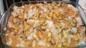 Répandre de la sauce crustacés et mettre les moules et le poisson. Spread shrimp sauce and put mussels and cod filet.