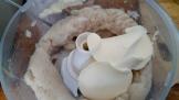 Bien mixer la chair de poisson au robot et ajouter la crème et les blancs d'œuf , mixer de nouveau finement. Mix the cod flesh and add double cream with white eggs, mix thinly.