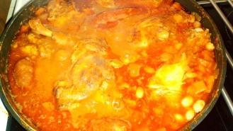 Les plonger dans la sauce, et laisser cuire encore 20 minutes. Deep them and let cook 20 minutes more.