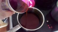 Remettre sur le feu ,et ajouter 100 gr de miel liquide,. Put back on burner and add liquid honey .